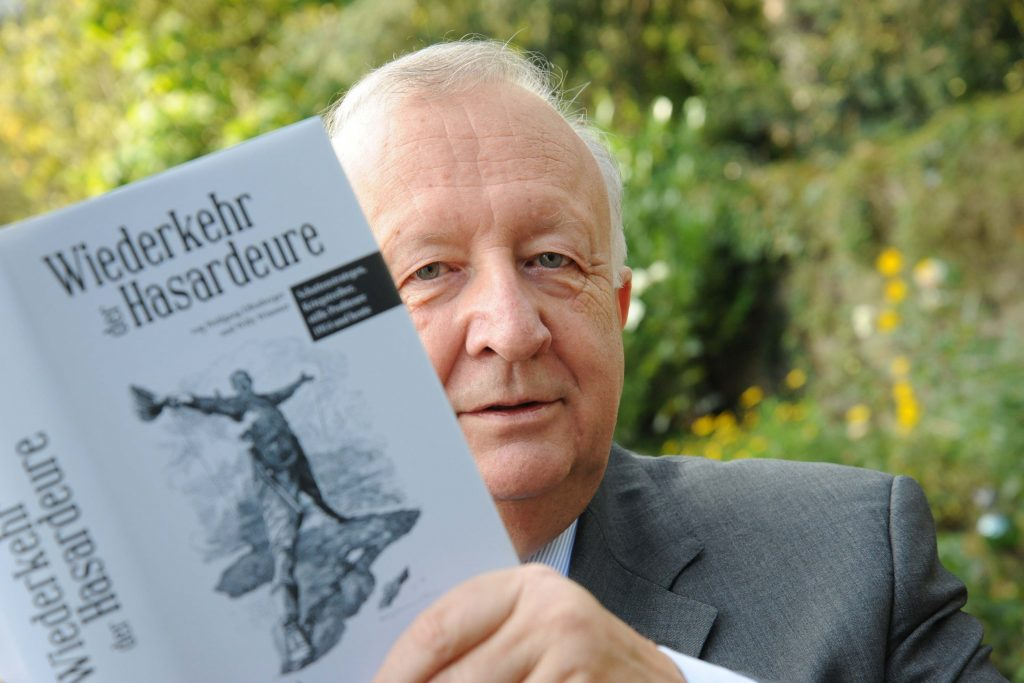 Willy Wimmer mit seinem neuen Buch